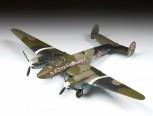 Zvezda 7283 Petlyakov Pe-2 Soviet bomber 1:72